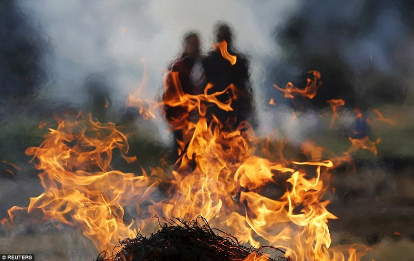 funeral pyre in India
