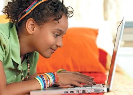 tween-girl-computer-M