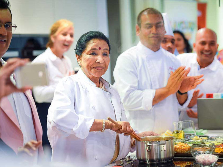 If my singing career hadn't taken off, I would have cooked in four houses and made money: Asha Bhosale